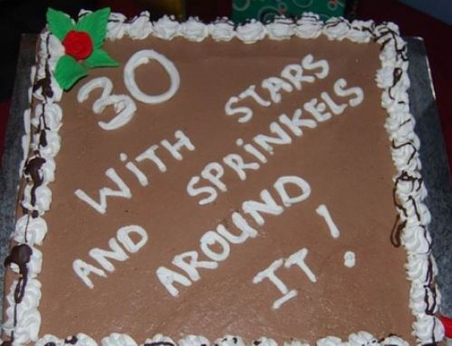 weirdest-cake-decoration-30-stars-sprinkles
